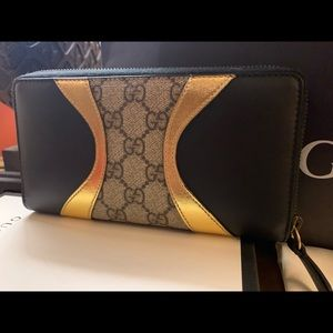 Authentic Gucci Monogram Zip Wallet